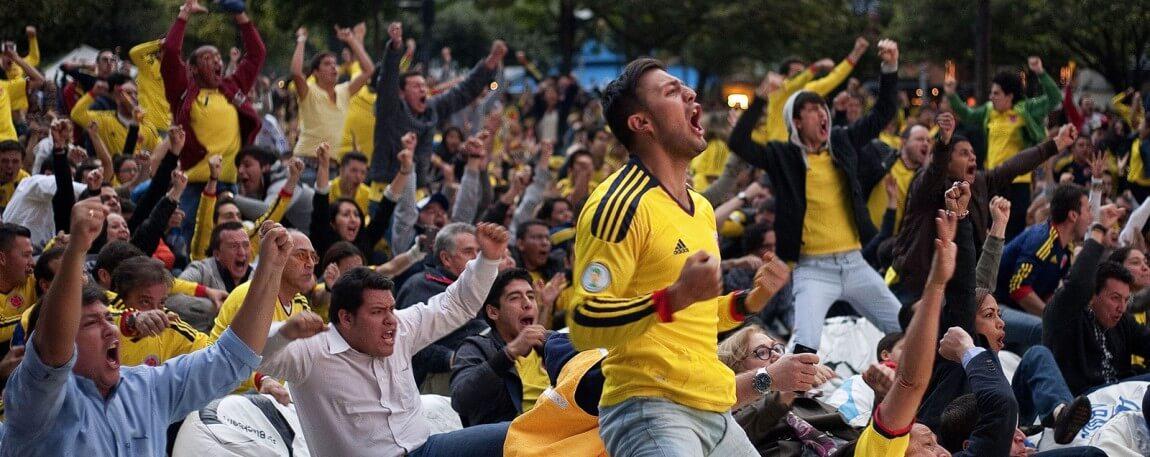Colombia-soccer-futbol-fans-1150x457